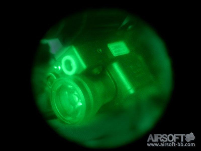 sistema eLLM01 de Element REVIEW con nuestro NVG Portada-ellm-01-element-fotos-night-vision-nvg-IR-largo-0262