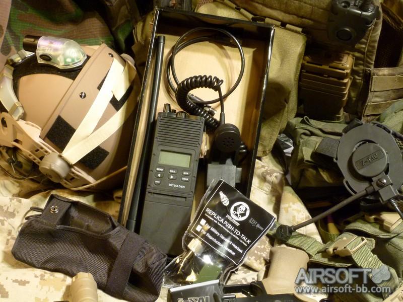 Sistemas de comunicacion PCR148-radio-toysoldier-tactical-workshop-005