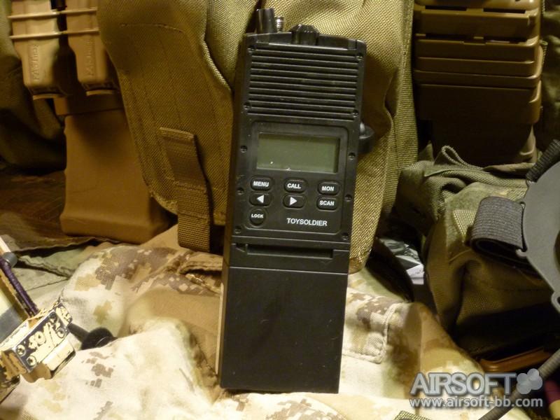 Sistemas de comunicacion PCR148-radio-toysoldier-tactical-workshop-022